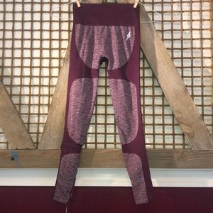 NWT Small Seamless impact leggings from DOYOUEVEN